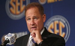 Les-Miles-Press-Conference-wide