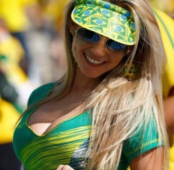 Sexy-Brazil-woman-world-cup-2014