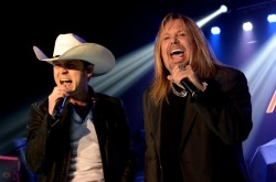Vince-neil-justin-moore
