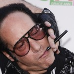 andrew-dice-clay-e-cigarette