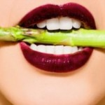 woman-eating-asparagus