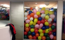 balloon-office-prank