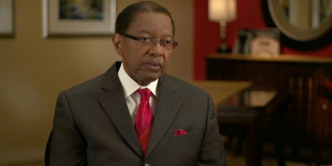 Mayor Kip Holden Incurs Overage Charges for Excessively Phoning It In