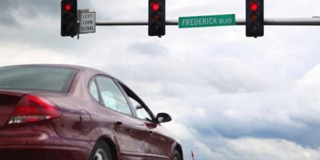 Study: Creeping Into Intersection Leads to Faster Green Light